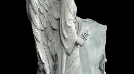 Rzeźba nagrobna Anioł Esculap