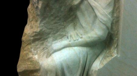 Rzeźba nagrobna Chrystus Frasobliwy